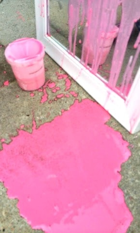 Make your own homemade window paint and take it outside! The will kids will love to make this recipe again and again. Paint and wash, paint and wash.