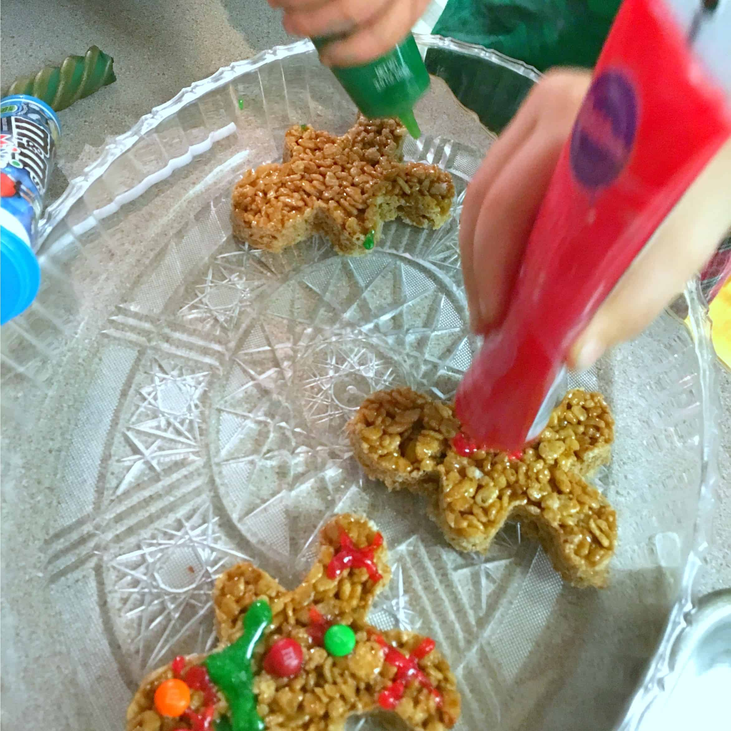 rice-krispie-decorating