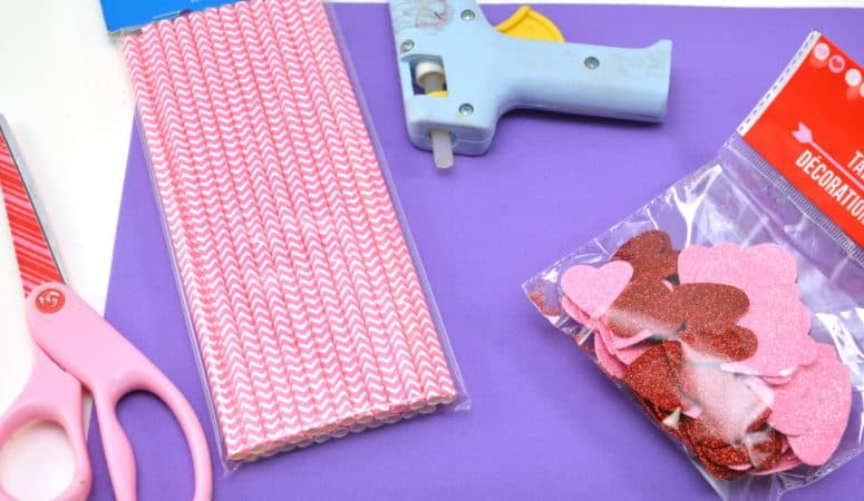 Valentine's Day Tic-Tac-Toe Foam Busy Bag