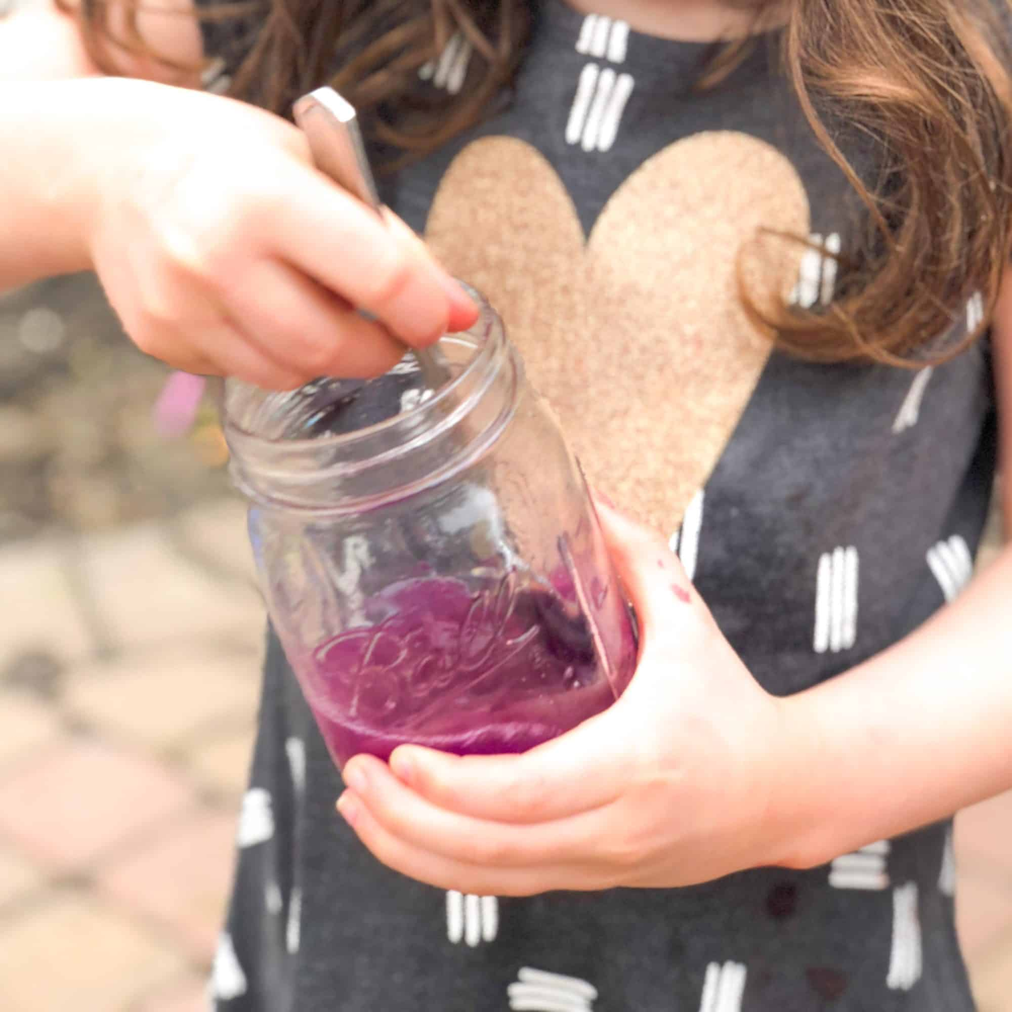 Color-Changing Violet Lemonade: STEM in the Kitchen for Kids