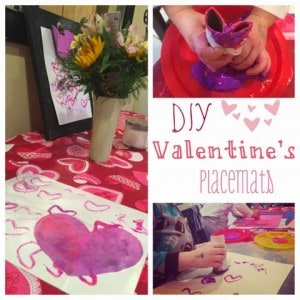 These placemats make for the perfect, homemade table decoration for Valentine's Day!