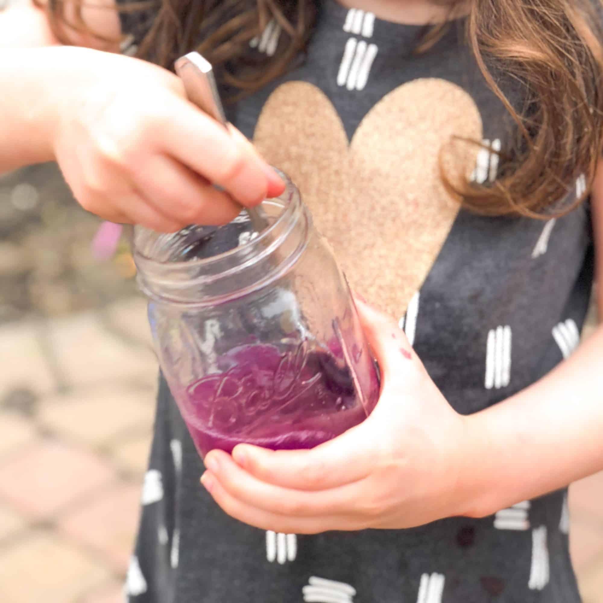 Color-Changing Violet Lemonade: STEM in the Kitchen for Kids
