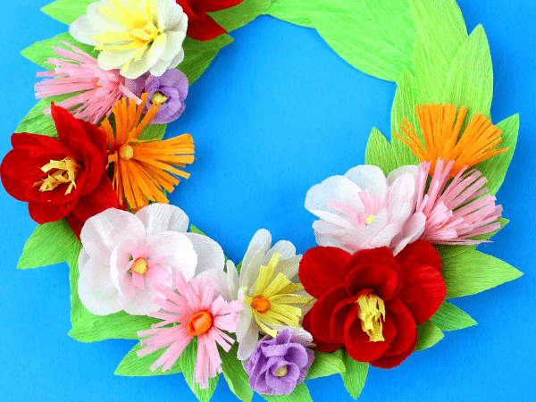 Paper Flower Wreath with a Paper Plate